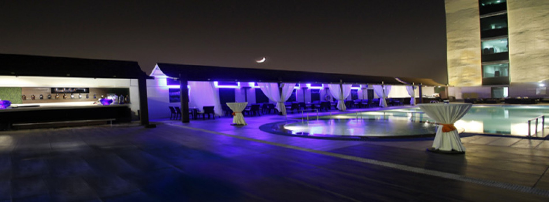 Radisson Blu Hotel Ghaziabad opens Lust by Poolside Bar & Barbeque