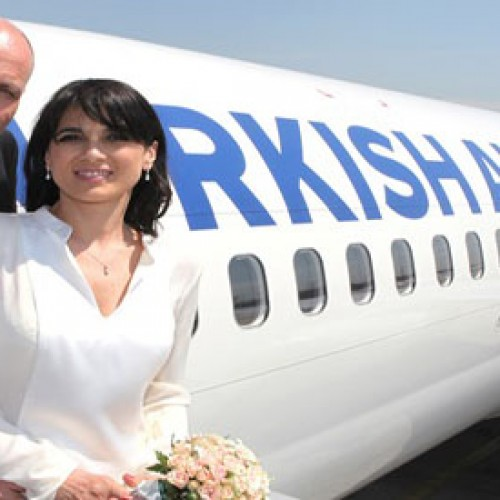 Wedding above the clouds on Turkish Airlines flight