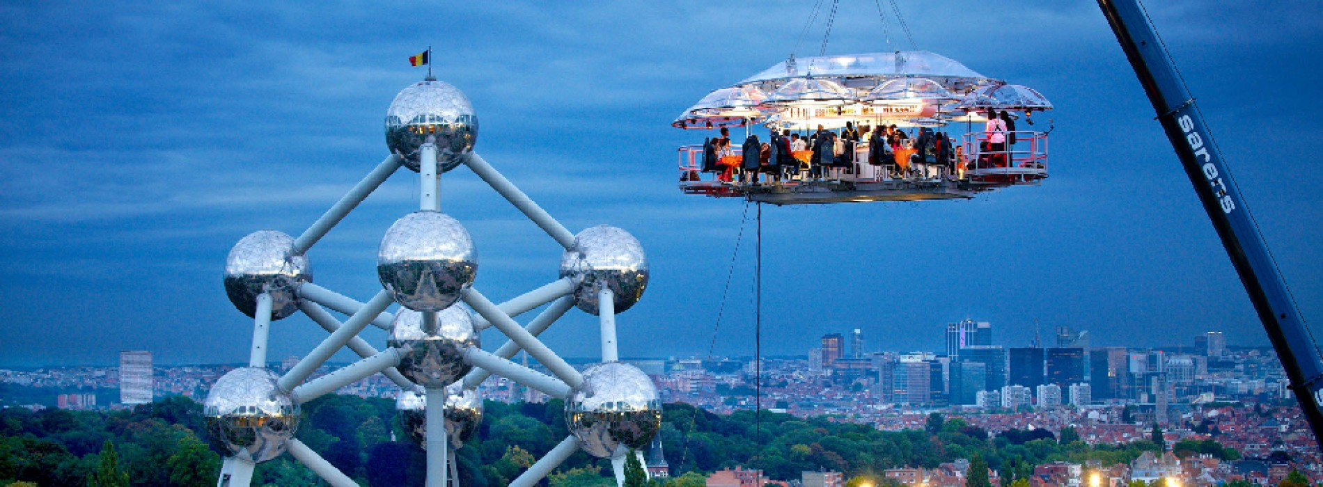 Dinner in the Sky by MONTE-CARLO