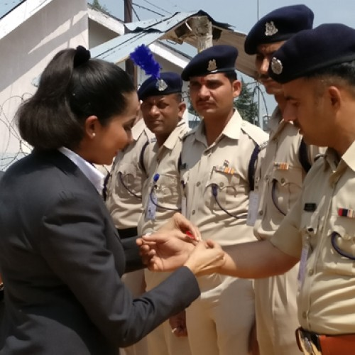 GoAir celebrates Raksha Bandhan with CRPF Jawans