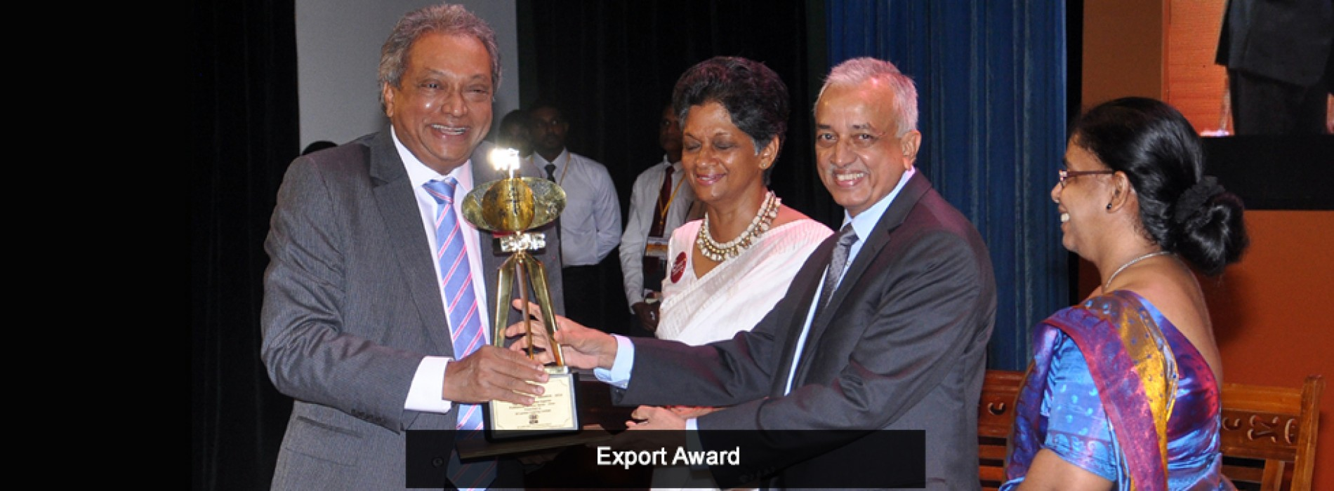 SriLankan Catering wins yet another Presidential Export Award