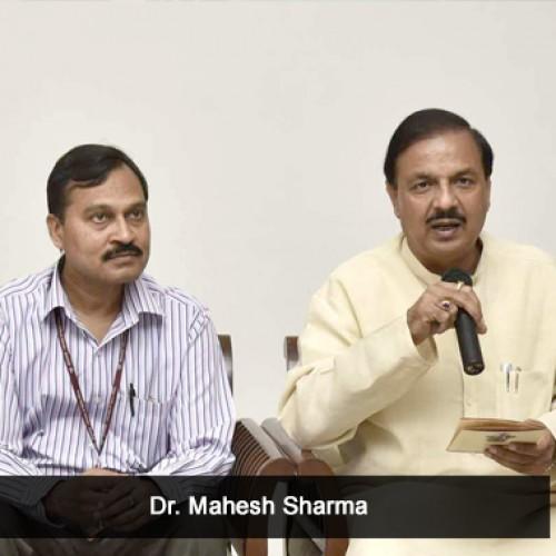 Dr. Mahesh Sharma participated in 'Swachhta Hi Sewa Abhiyaan' in Noida