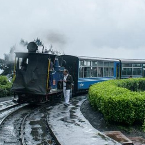 Toy train service in Darjeeling hills to resume from October 25