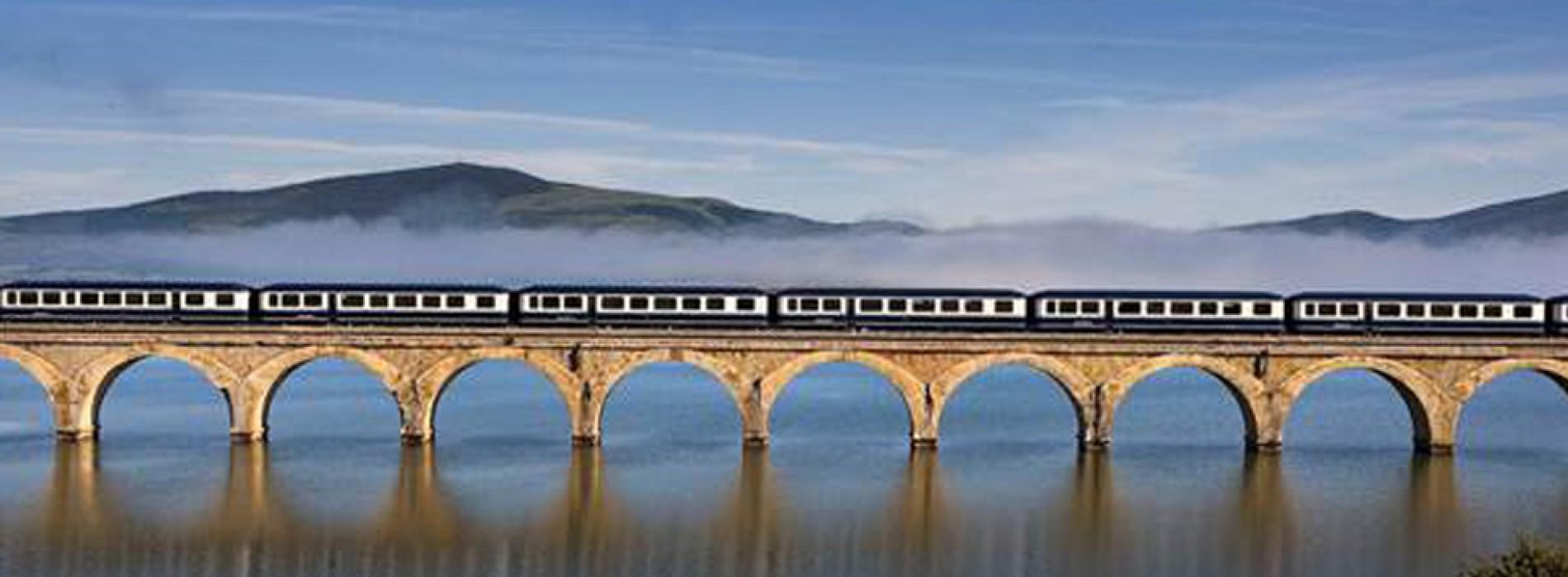 Explore the Greenest Spain aboard El Transcantábrico Luxury Tourist Trains