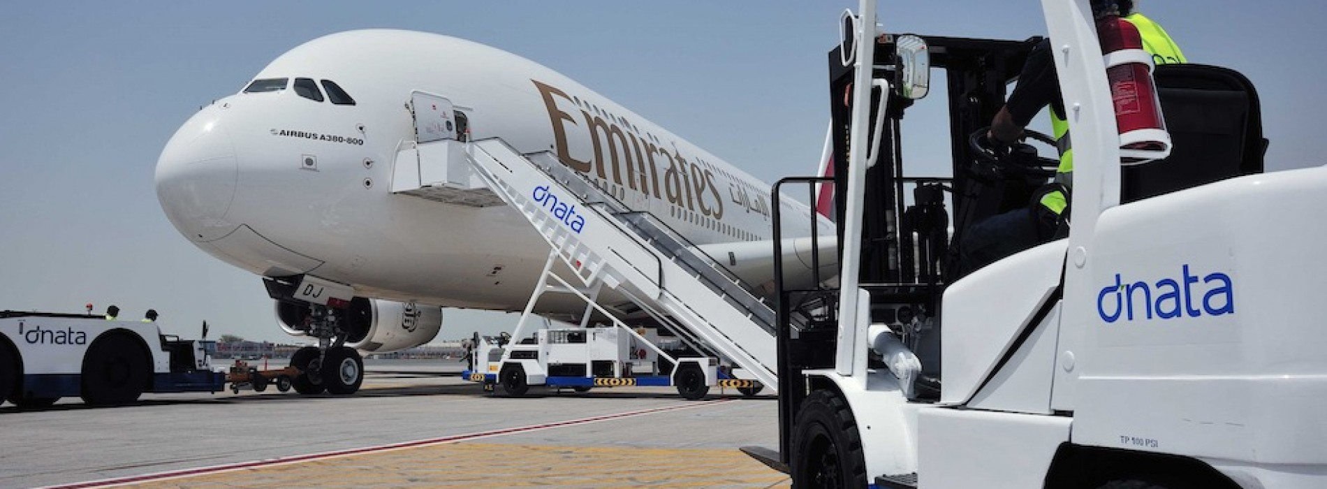 Emirates Group announces half-year performance for 2017-18