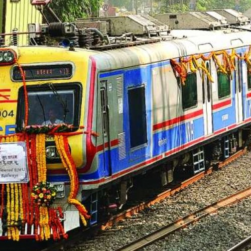 First class pass to be valid for AC local train rides