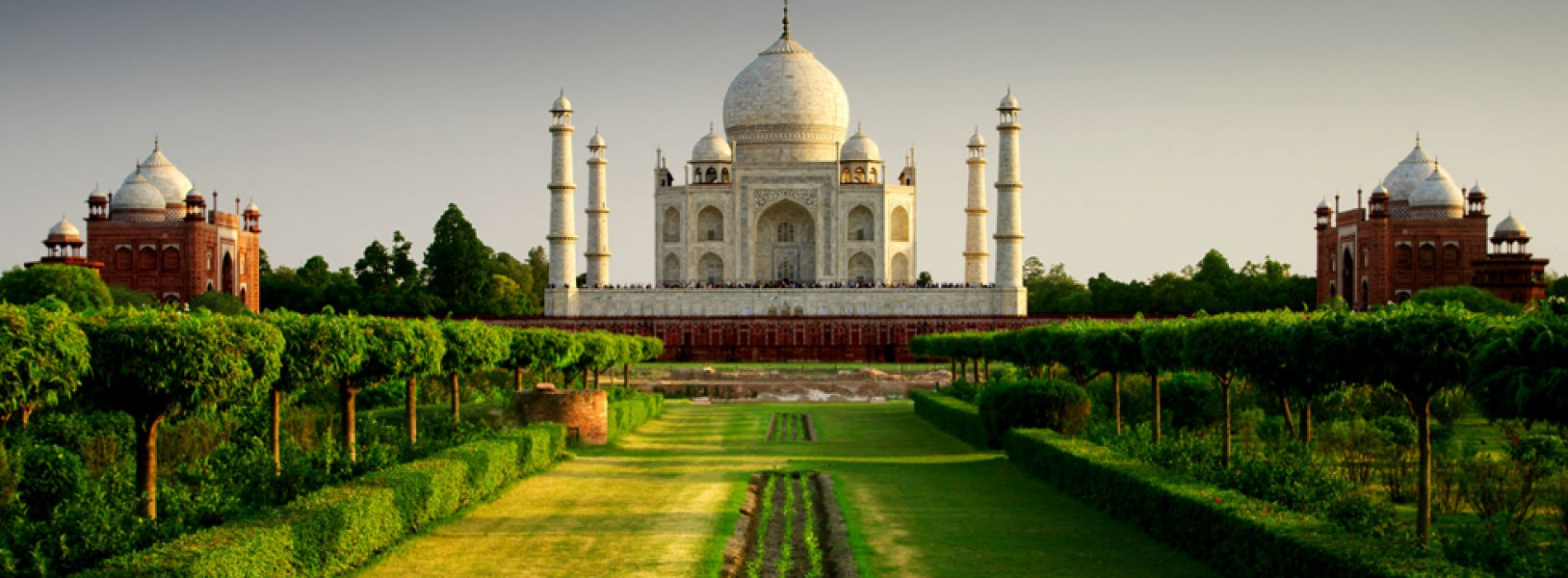 Taj Mahal to limit visitor time and numbers to ease congestion