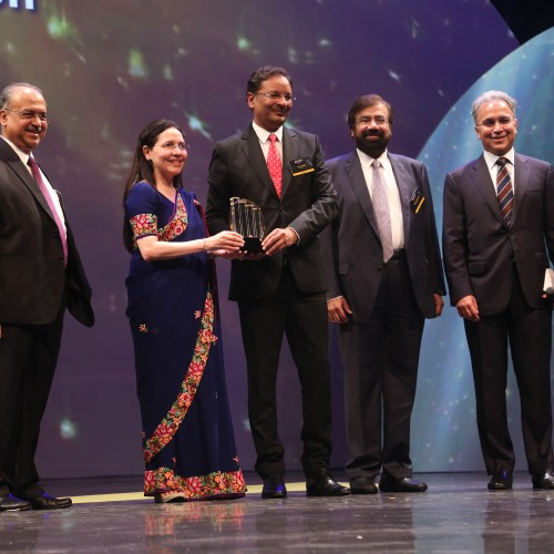 SpiceJet CMD Ajay Singh awarded 'EY Entrepreneur of the year 2017 for Business Transformation'