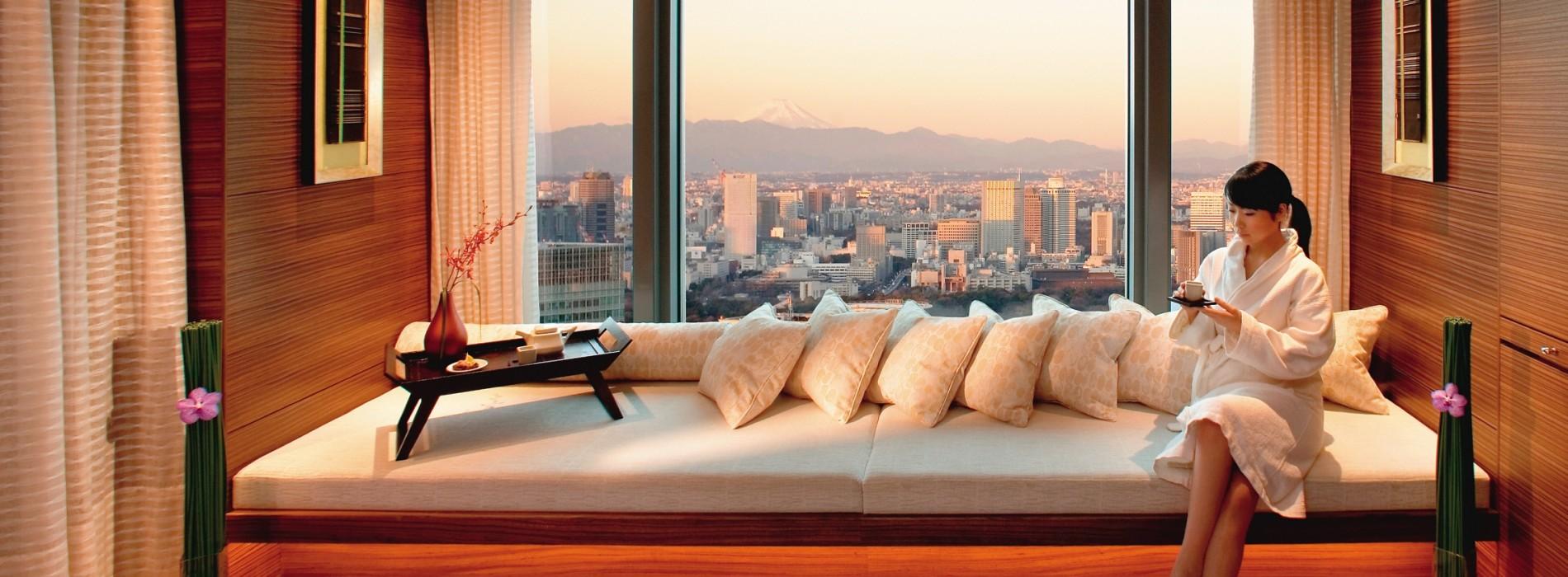 The Spa at Mandarin Oriental, Tokyo offers Sakura Treatments for Spring