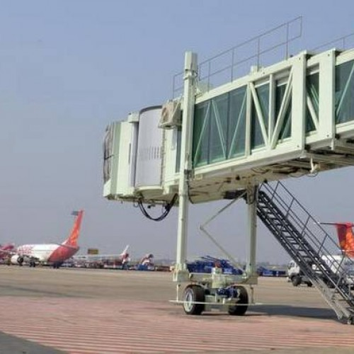 Aviation Ministry insists on use of aerobridges
