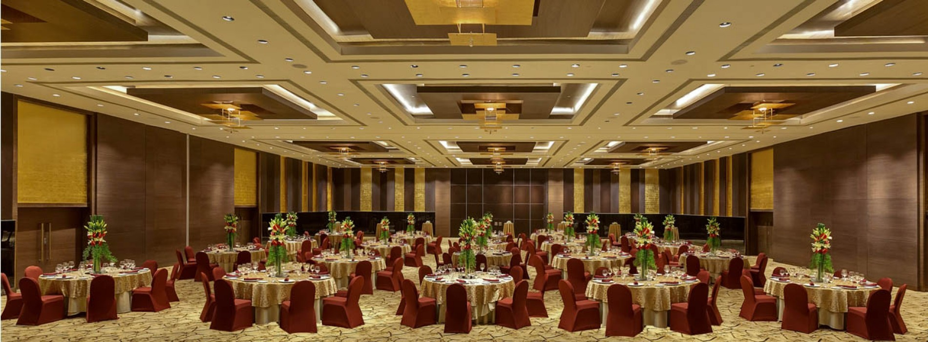Your dream for a lavish wedding ends with Hotel Sahara Star
