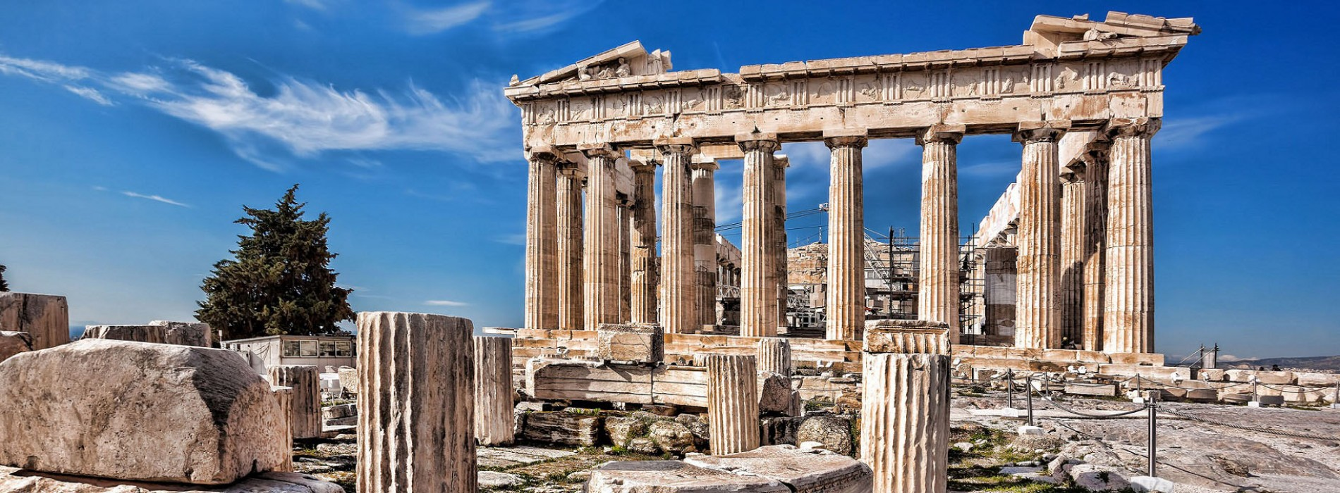 Reasons that will make you fall in love with Greece