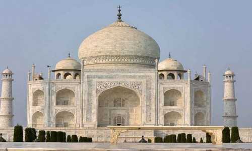 India begins issuing tourist visa; reopnes to foreign tourists after a long hiatus